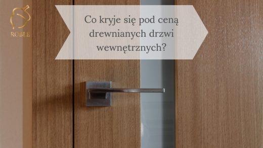 drewniane drzwi ze stalową klanką