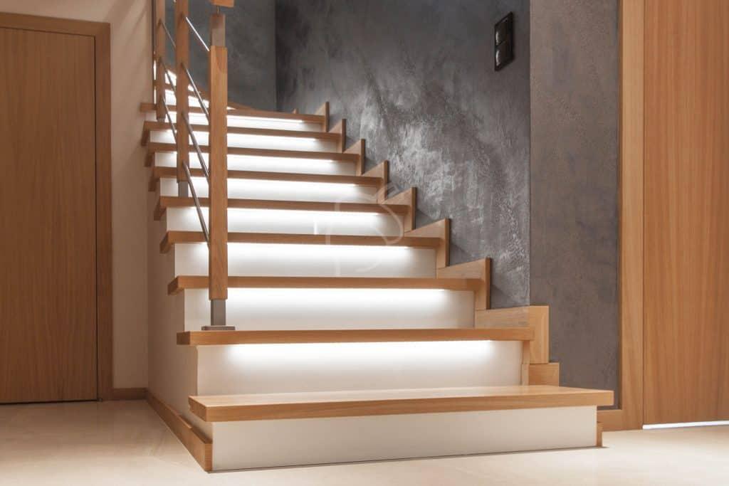 schody na beton z podświetleniem led
